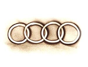 Audi Logo in Sand gemalt - Version 1