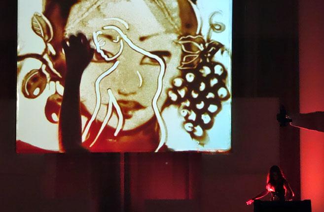 Bild aus der Sandmalereishow für Biodroga